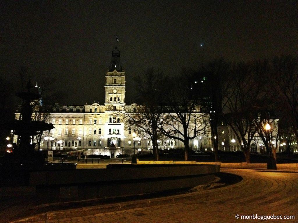 Découvrir Road Book à Québec Parlement monblogquebec
