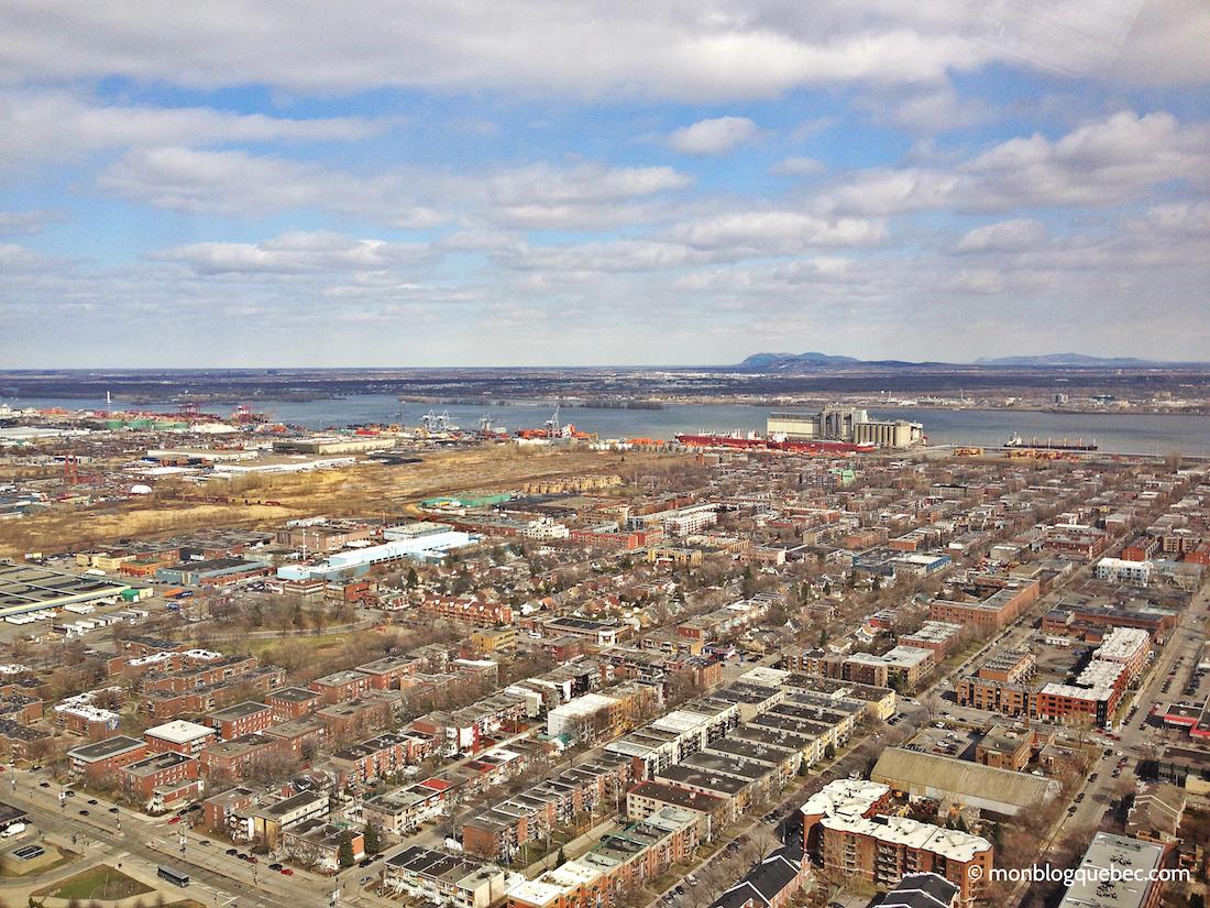 Découvrir Road Book à Montréal Vue tour olympique