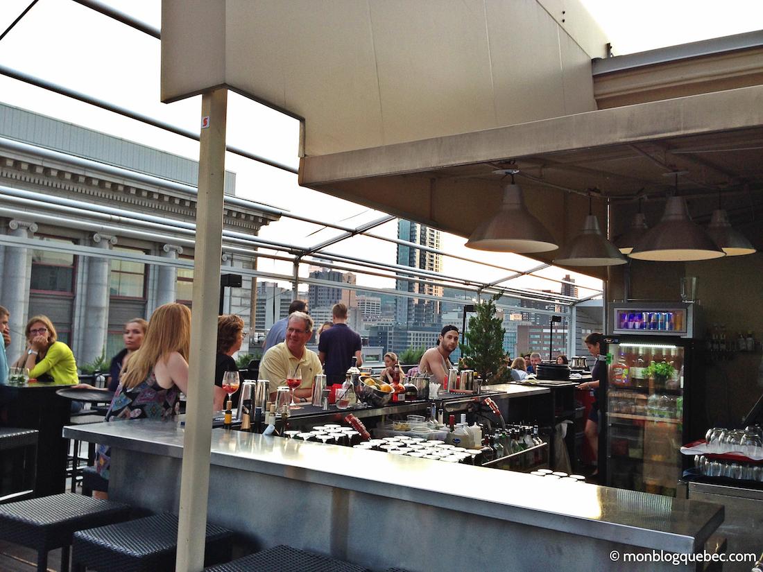 Top 5 des terrasses avec vue a Montréal monblogquebec Bar avec ambiance festive