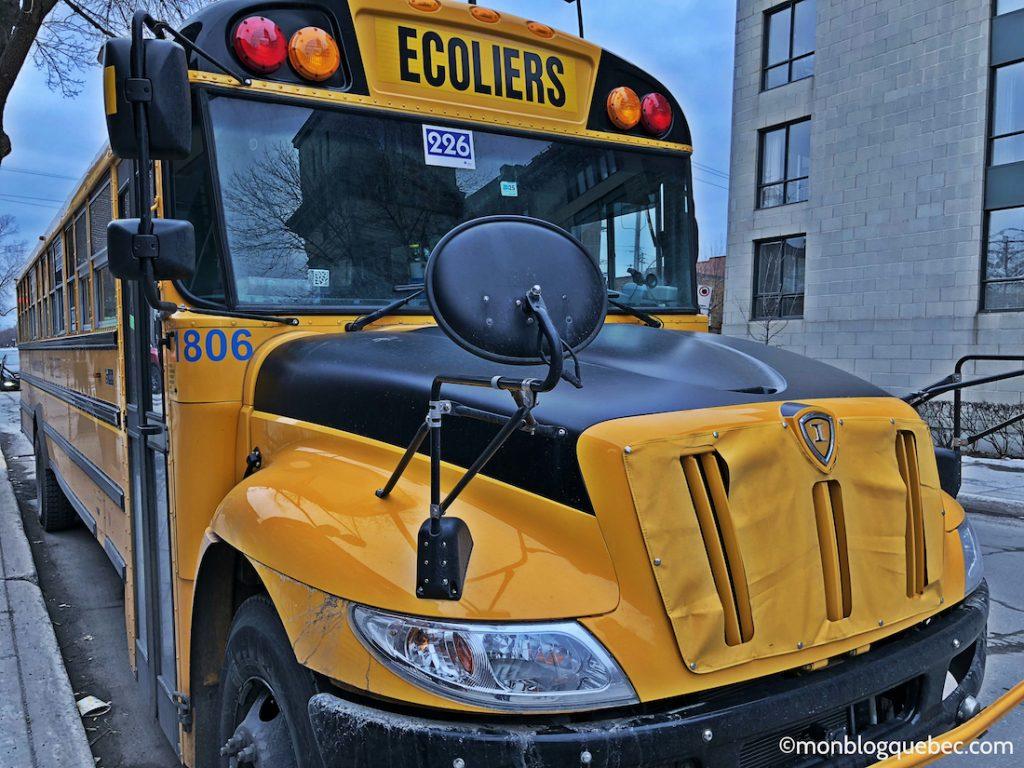 L'école au Québec les bus scolaires ou bus jaunes
