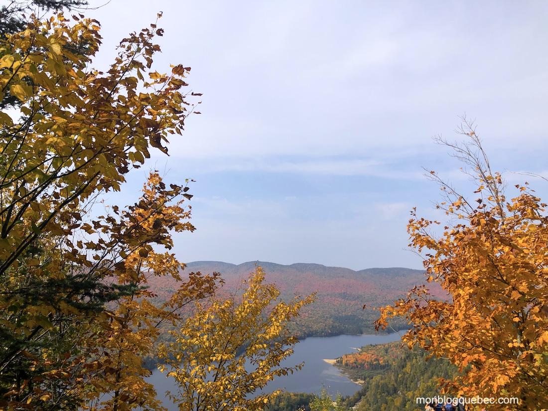 La saison des couleurs panorama sentier La roche